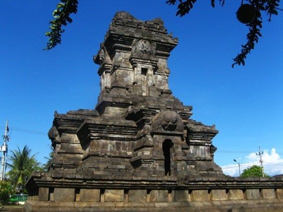 3 Candi-Singasari-yang-dibangun-saat-masa-kejayaan-Kertanegara